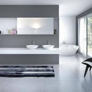 Fronty przesuwne o niewielkich wymiarach można stosować w meblach łazienkowych, kuchennych czy salonowych. Fot. Hettich