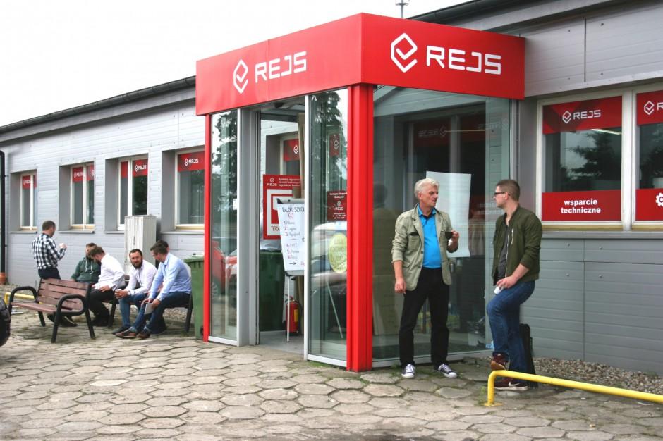 Punkt handlowy firmy Rejs. Fot. Rejs