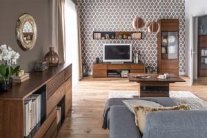 Meble do salonu - zestawy rtv w kolorach drewna