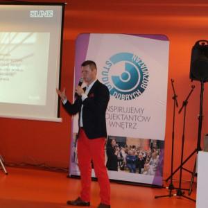 Damian Fituch reprezentujący Jung Polska opowiadał o ofercie marki Jung