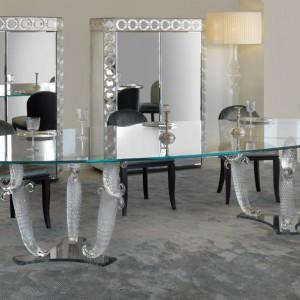 Stół marki Reflex wykonany ze szkła Murano. Fot. Galeria Heban