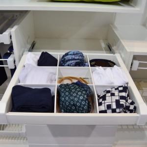 Specjalna szuflada na krawaty. Fot. GTV