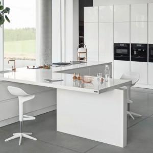 Kuchnia w bieli. Fot. Zajc Kuchnie