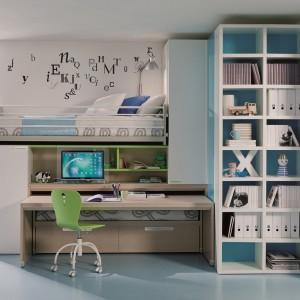 W razie potrzeby można łatwo schować blat biurka, a wysunąć... dodatkowe łóżko. Fot. Dielle