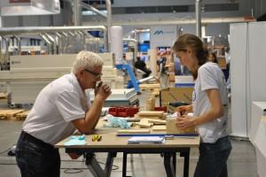 Podczas targów studenci wyprodukowali meble dla dzieci i seniorów