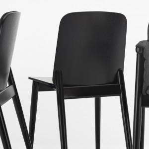 Krzesła Prop. Fot. Paged
