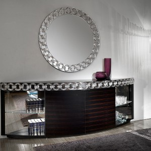 Marka Reflex łączy w swoich meblach szkło Murano z litym drewnem, marmurem i stalą. Fot. eEflex