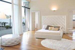 Duża sypialnia - jak dobrać meble i dobrze wykorzystać przestrzeń?