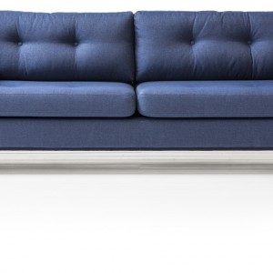 Sofa Pure w odcieniu intensywnego błękitu. Fot. Salony Agata