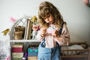 Jak zaaranżować pokój kilkulatka? Piękne meble w stylowych wnętrzach