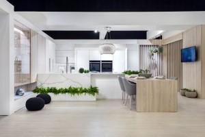Białe meble kuchenne - w duetach z innymi kolorami