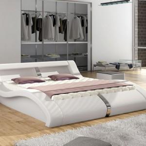 Łóżko Malibu o oryginalnej formie. Fot. Wersal