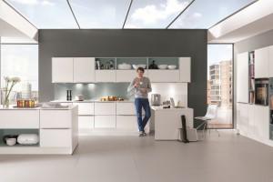 Białe kuchnie - dlaczego lubią je polscy klienci?