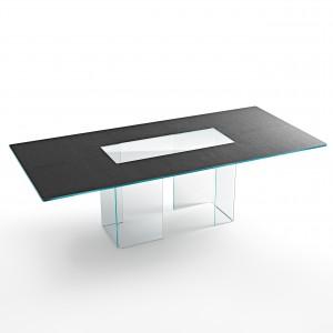 Szklany blat na szklanym postumencie – stół firmy Fiam. Fot. Fiam