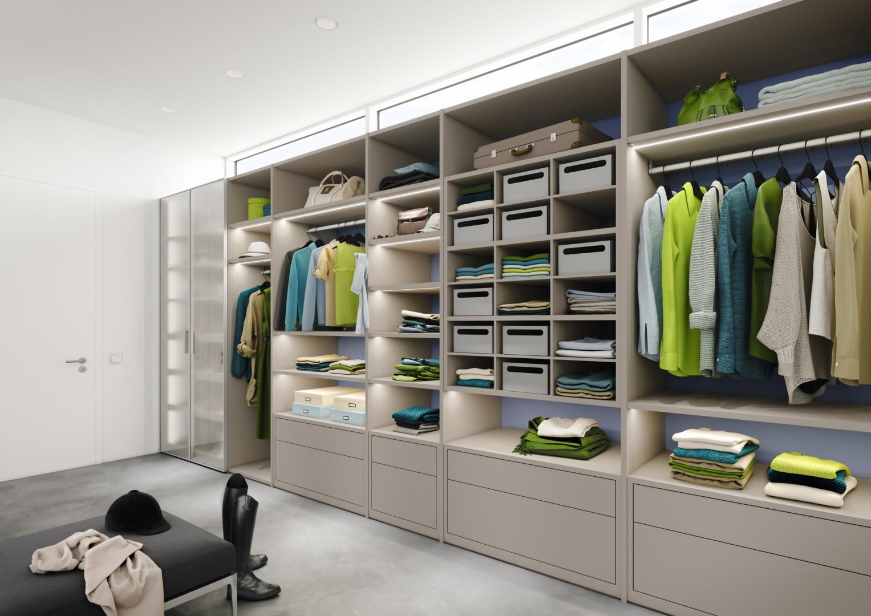 Wnętrze garderoby Legno. Fot. Raumplus