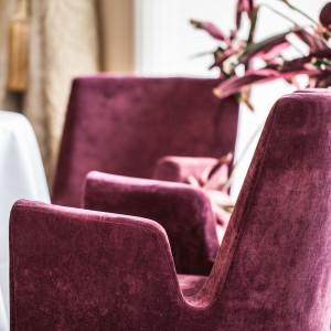 """Fotele """"Sen"""" (Paged Collection) w restauracji Senses. Fot. Ernest Wińczyk"""