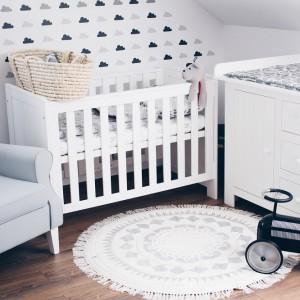 Łóżeczko niemowlęce. Fot. Pinio