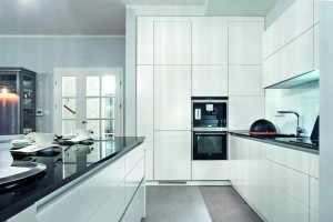 Wysoka zabudowa w kuchni - jak osiągnąć najlepszy efekt?