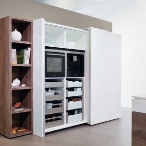 Zastosowanie drzwi przesuwnych w kuchni. Fot. Hettich