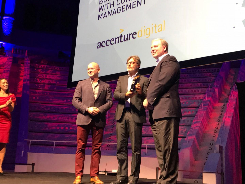 Przedstawiciele Grupy Biesse z nagrodą Best Business Transformation Award. Fot. Grupa Biesse