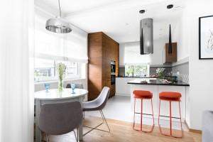 Meble w otwartej kuchni - zobacz inspiracje z polskich domów!