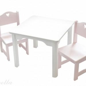 Krzesełka i stolik z oferty firmy Caramella. Fot. Caramella