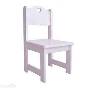 Pudrowe krzesełko z serduszkiem z oferty firmy Caramella. Fot. Caramella
