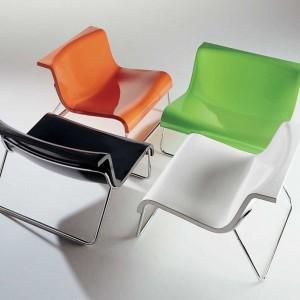 Plastikowe krzesła. Fot. Kartell