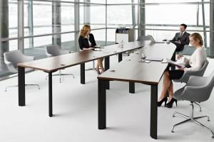 Jak wybrać stół do sali konferencyjnej - podsuwamy praktyczne pomysły