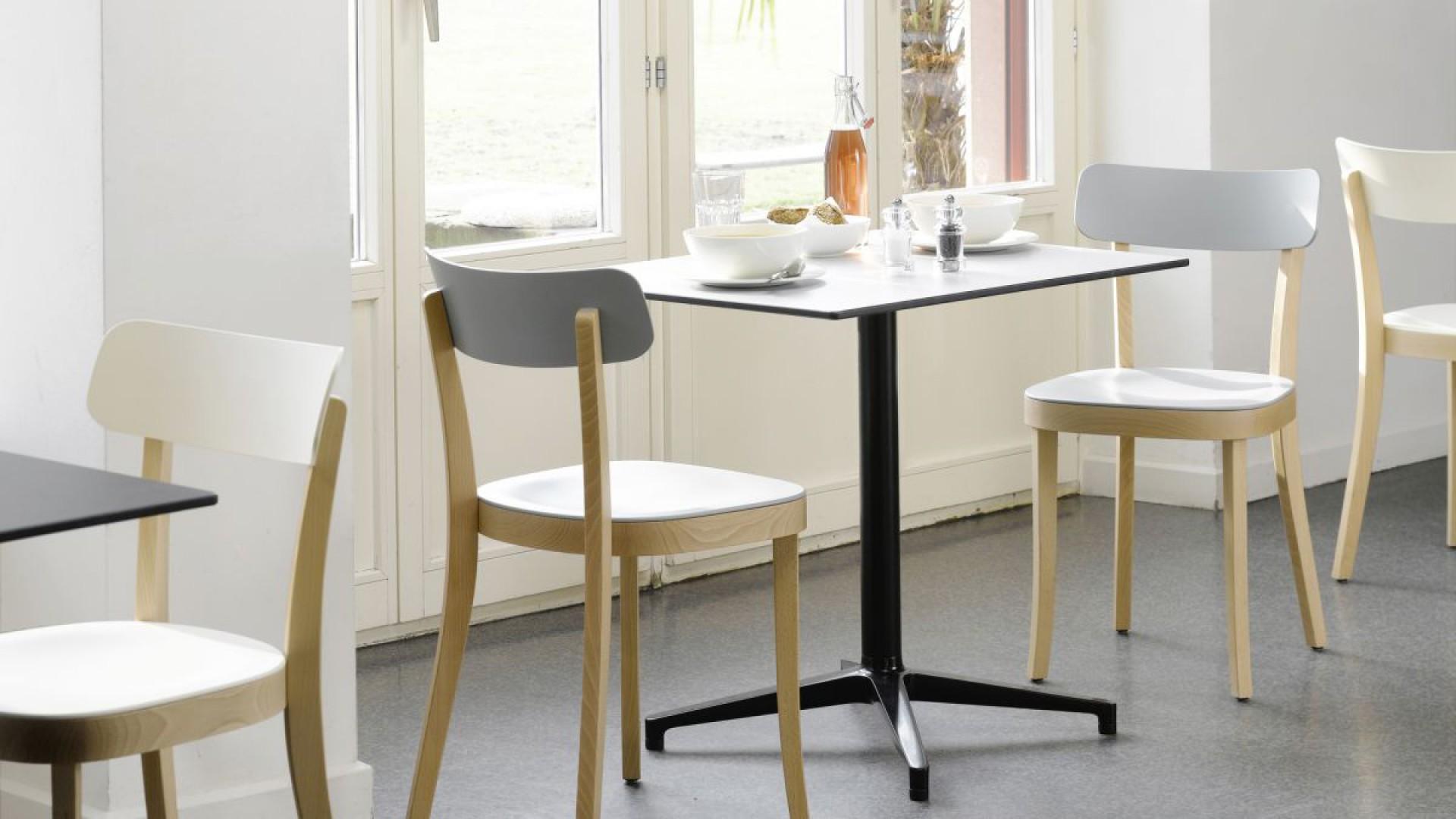 "Krzesła ""Basel"" firmy Vitra. Projekt: Jasper Morrison. Fot. Vitra"