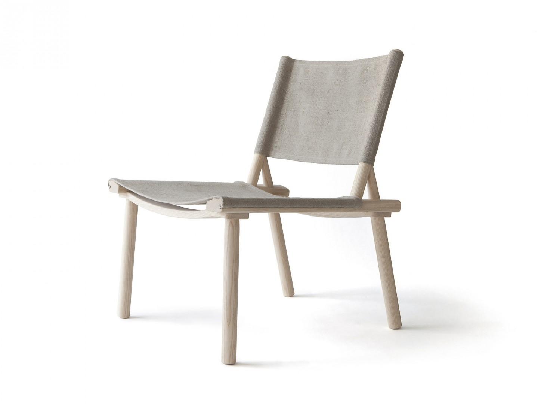 """Krzesło """"December"""" firmy Nikari. Projekt: Jasper Morrison. Fot. Chikako Harada/Nikari"""