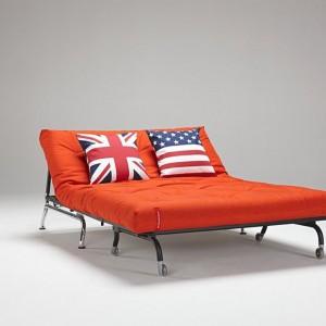 Sofa na kółkach z oferty Moma Studio. Fot. Moma Studio