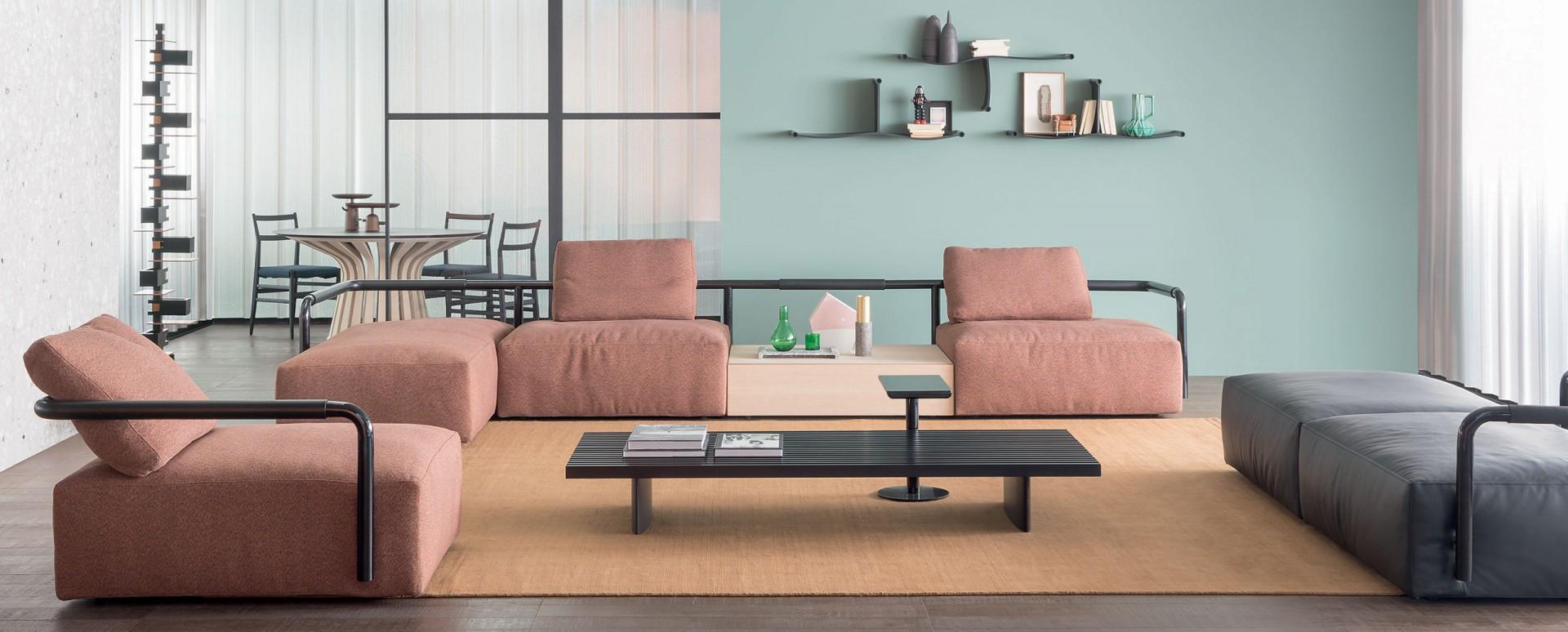 Sofa Soft Props firmy Cassina. Projekt: Konstantin Grcic. Fot. Cassina