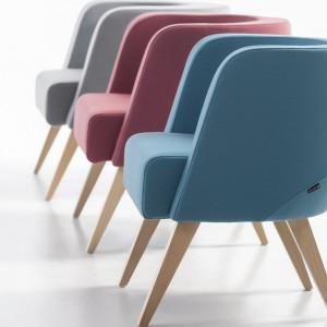 Fotele Neon. Projekt Tomasz Augustyniak. Fot. Marbet Style