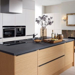 Kuchnia z serii Senso Kitchens. Fot. Black Red White