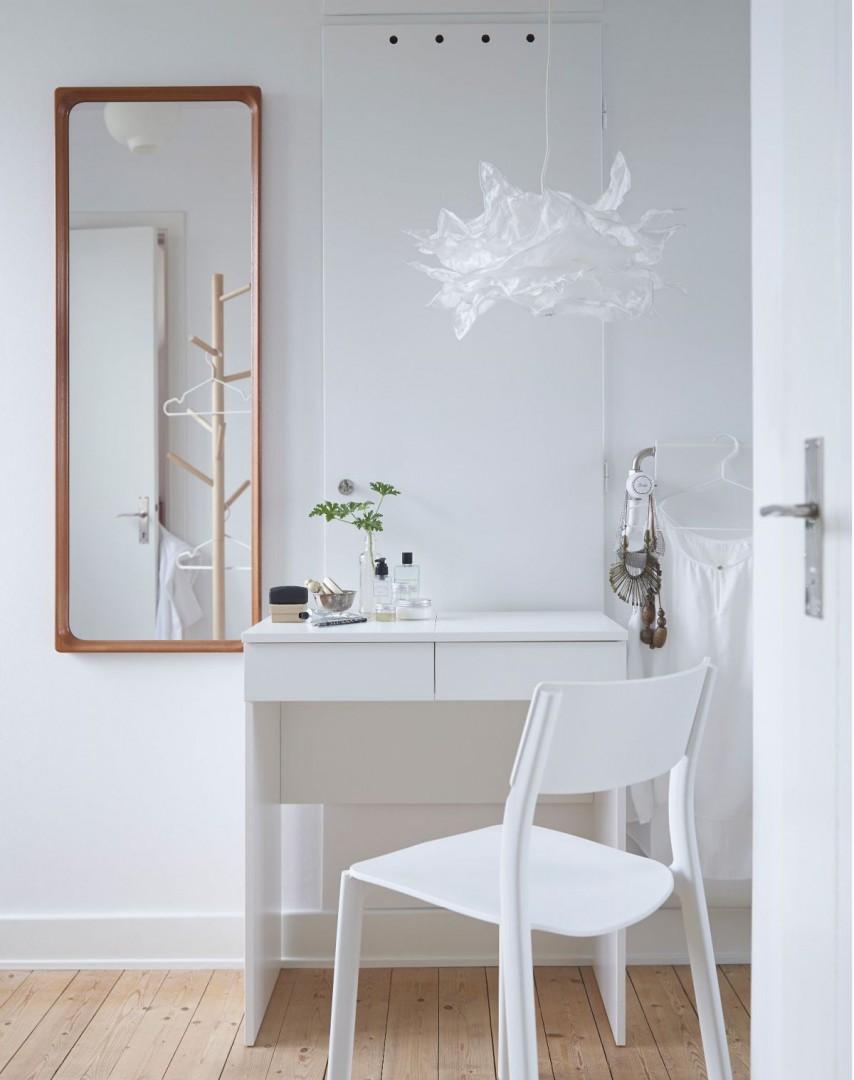 "Toaletka ""Brimnes"" firmy IKEA. Fot. IKEA"
