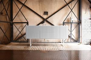 Konsole, stoliki, komody - praktyczne i pełne uroku meble do przedpokoju