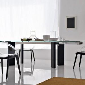 Stół o nowoczesnej formie. Fot. Calligaris