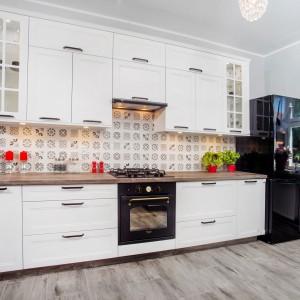 Klasyka kuchenna w bieli. Fot. KAM Kuchnie