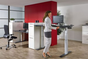 Jak zaaranżować miejsce pracy - sposób na designerskie i funkcjonalne biurko