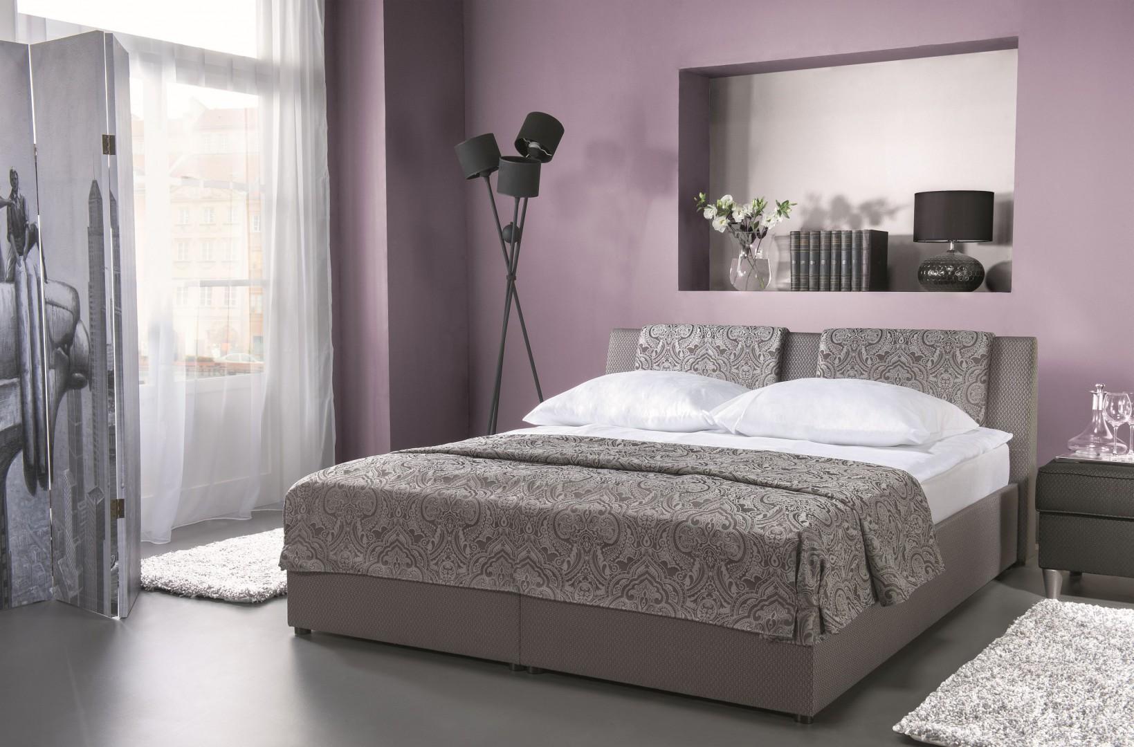 Łóżko Comfort w podnośnikiem gazowym. Fot. Libro