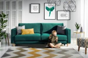 Sofy i fotele w kolorze ciemnej zieleni - wybór wciąż modny