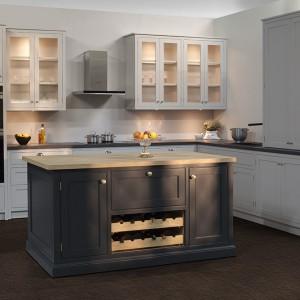 Nowoczesne kuchnie wymagaja stosowania nowoczesnego wyposażenia w postaci koszy, szufla i systemów carga. Fot. Stolzen