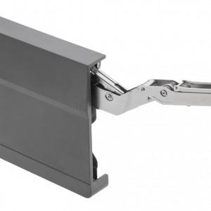 Kąt otwarcia 107° ułatwia dostęp do produktów i przedmiotów przechowywanych wewnątrz szafki. Fot. GTV