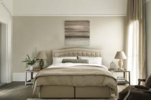 Sypialnia w beżach - sposób na eleganckie wnętrze