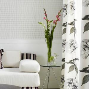 Motywy roślinne sprawdzą się w niemal każdym wnętrzu. Fot. Home Concept