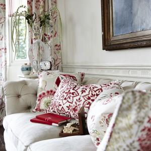 Jeśli nie chcemy wymieniać mebli, warto wprowadzić nowe dodatki. Fot. Home Concept
