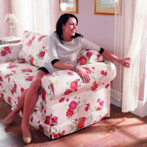 Sofa Romantica z obiciem w kwiatowy wzór. Fot. Libro