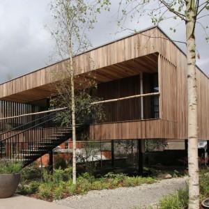 """W kategorii """"Edukacja i sektor publiczny"""" zwycięski okazał się projekt Maggie's Centre w Oldham. Fot. Alex de Rijke, Jasmin Sohi & Jon Cardwell"""