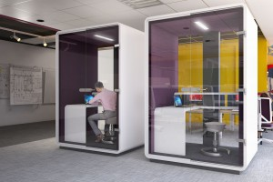 Jak umeblować i zaaranżować biuro na małym metrażu?